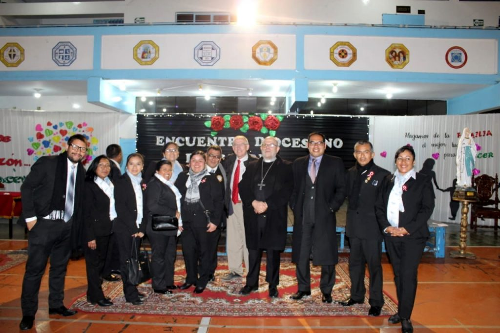 Con el obispo de El Callao y catequistas familiares